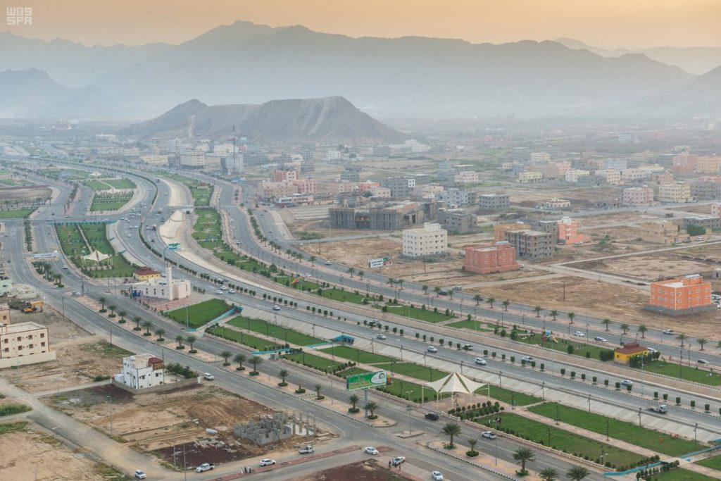 الأمير فيصل بن خالد يدشن مشروعات تنموية بأكثر من مليار ريال في محايل عسير