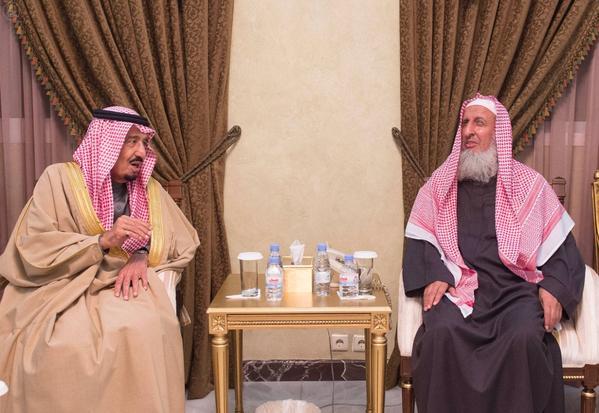 مفتي المملكة يثمن نيل خادم الحرمين لجائزة الملك فيصل لخدمة الإسلام