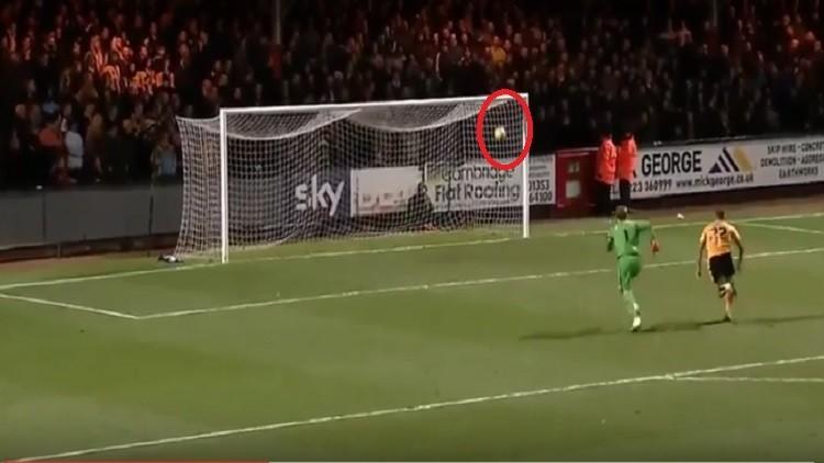 بالفيديو.. فريق إنجليزي يتلقى الهدف ذاته ثلاث مرات أمام نفس المنافس