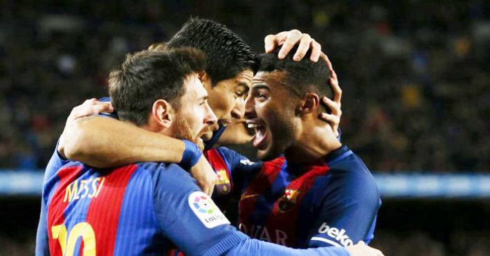 سواريز ينتقد إدارة برشلونة لتأخرها في تمديد عقد ميسي