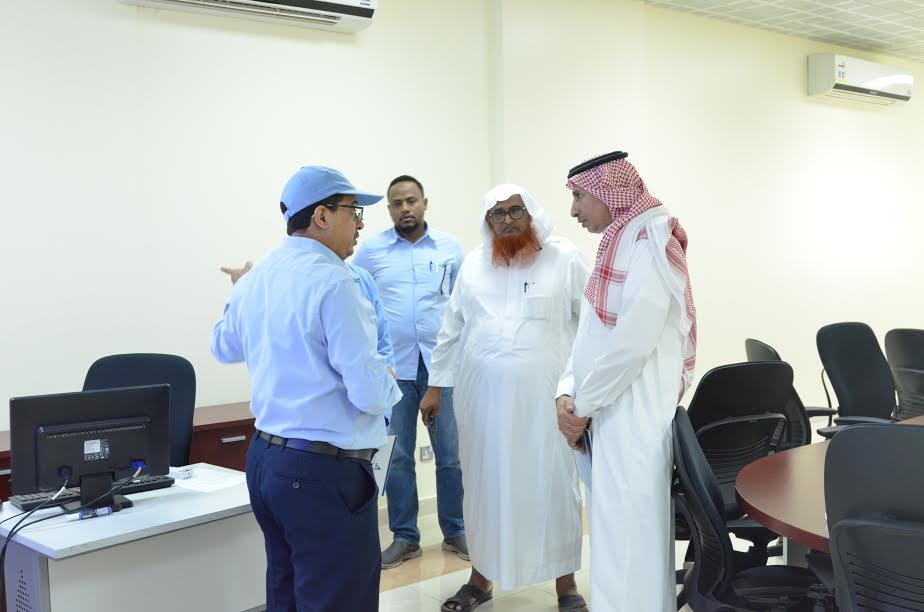 مدير إدارة التدريب التقني بعسير يتفقد معاهد الحريضه ورجال المع ومحايل