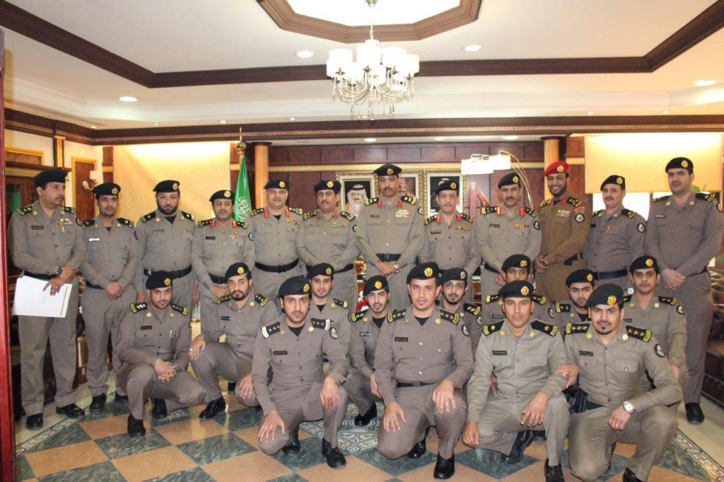 التميمي : يقلد عدد من ضباط شرطة المنطقة رتبهم الجديدة