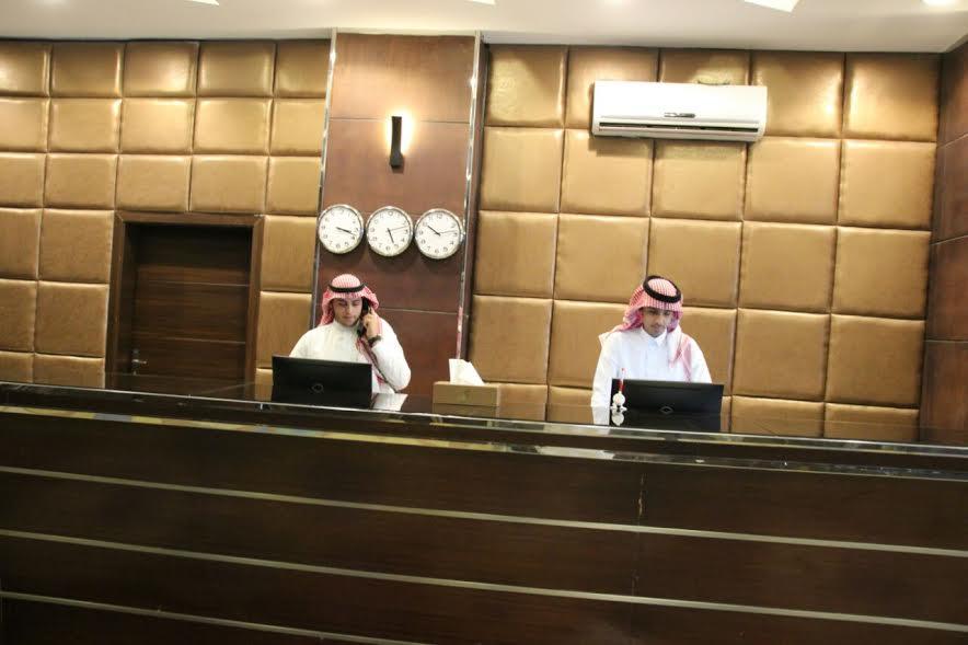 شباب سعوديون: العمل الفندقي استقرار وظيفي