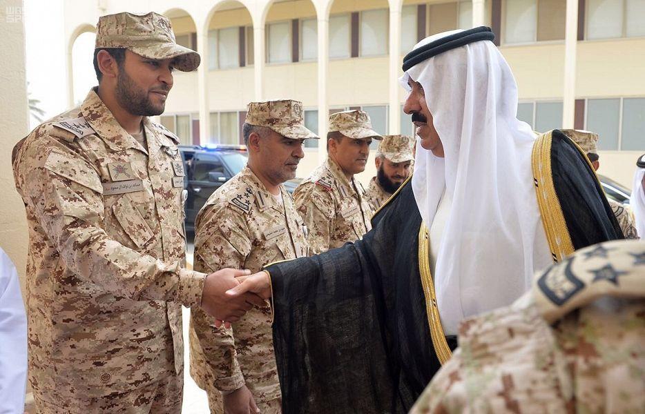 وزير الحرس الوطني يلتقي بخريجي كلية الملك خالد العسكرية صحيفة المناطق السعوديةصحيفة المناطق السعودية