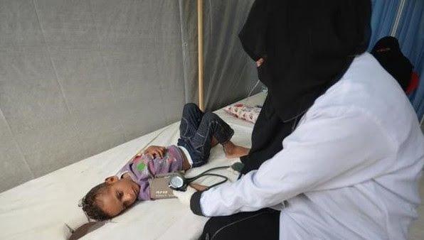 """""""الكوليرا"""" تتفشى في اليمن بسرعة فائقة.. قتلت 242 وأصابت الآلاف"""