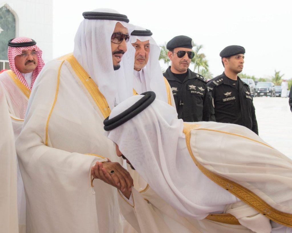 خادم الحرمين الشريفين يصل الرياض قادما من محافظة جدة