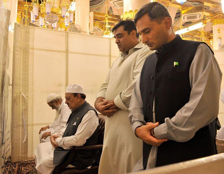 رئيس جمهورية باكستان الإسلامية يزور المسجد النبوي