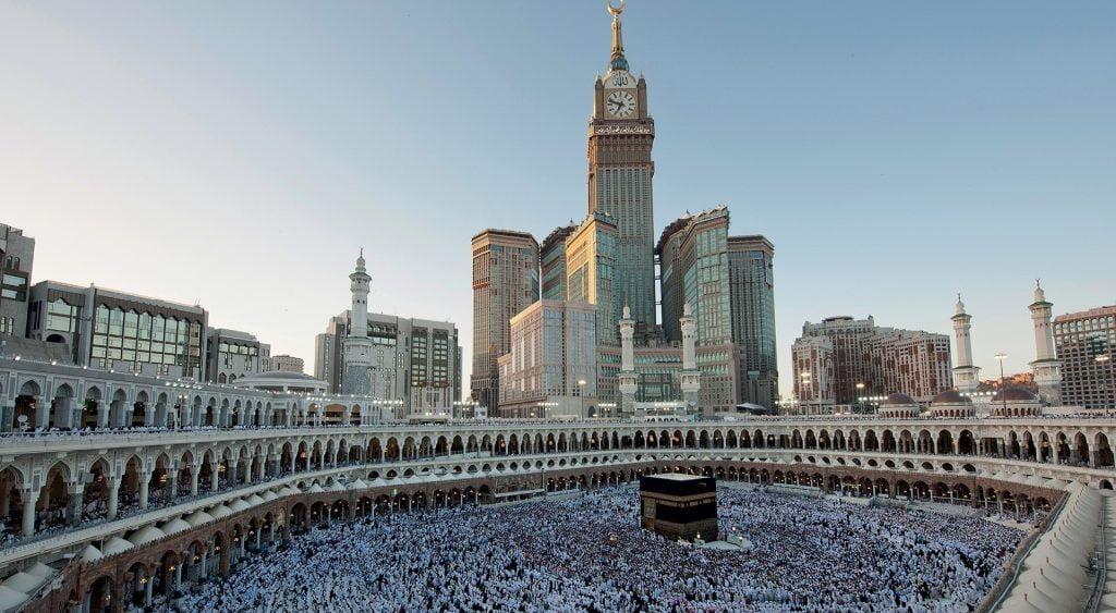 فنادق مكة والمدينة تعيد أموال المعتمرين القطريين الذين لم يتمكنوا من الحضور