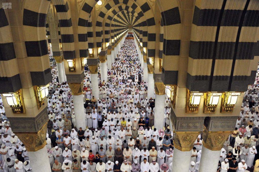 تكثيف الخدمات لمواكبة كثافة الزائرين بالمسجد النبوي في العشر الأواخر من رمضان