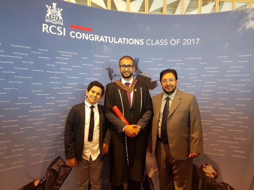 ابو رياح يحتفل بتخرج ابنه من الكلية الملكية للجراحين بإيرلندا
