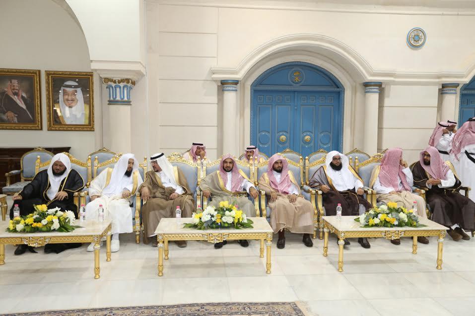 أمير الجوف استقبل المواطنين والمسئولين المهنئين بعيد الفطر المبارك