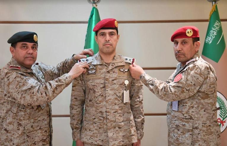 """المسفر"""" يهني """"آل الشيخ"""" بمناسبة ترقيته إلى رتبة لواء وتنصيبه مساعد لقائد سلاح الشرطة العسكرية"""