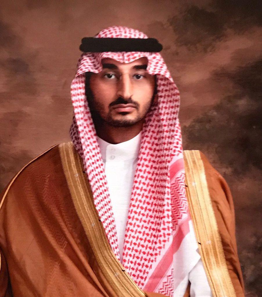 """نائب أمير مكة يقدم التعازي للسفير """"شبكشي"""" في وفاة حرمه"""