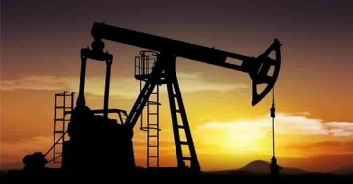 النفط يقفز 3% إلى 52.72 دولار للبرميل