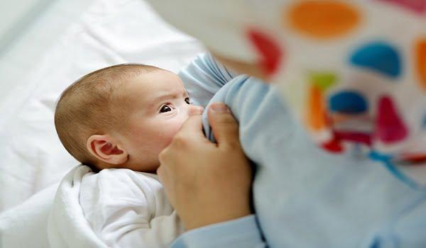دراسة: الرضاعة الطبيعية تقلل خطر إصابة المرأة بسرطان الثدى