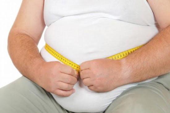 """الطعام ليس العامل الوحيد.. أسباب """"غريبة"""" تؤدي إلى زيادة الوزن!"""