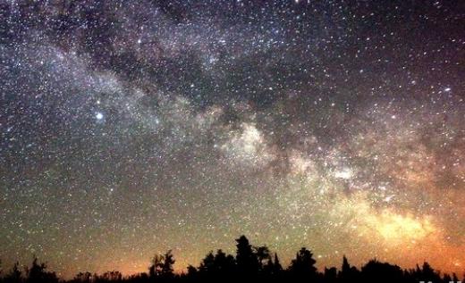 فلكية جدة: «حزام درب التبانة» يزين سماء السعودية طوال أغسطس
