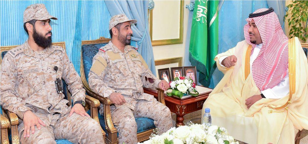 نائب أمير نجران يهنئ قائد القوة ويشيد ببطولات الجنود البواسل