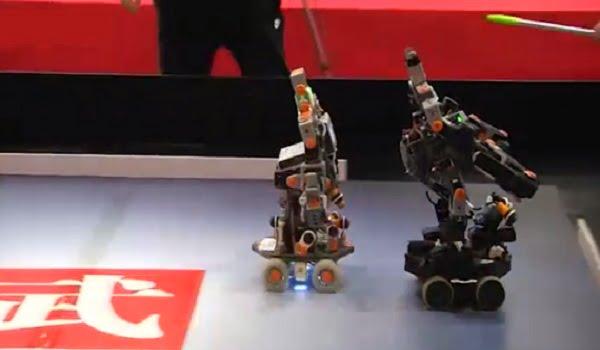 شاهد.. صراع الروبوتات