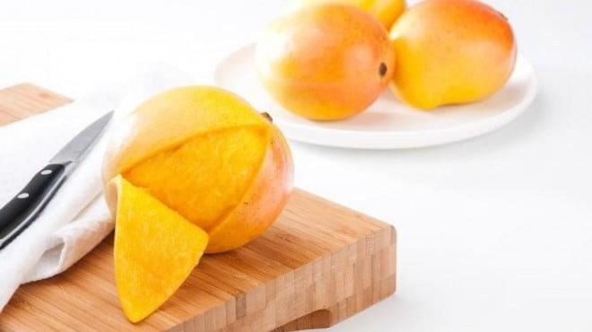 هل تأكل قشر المانجو ؟ هذه الدراسة ستغير تفكيرك وستجعلك حريصاً على تناوله