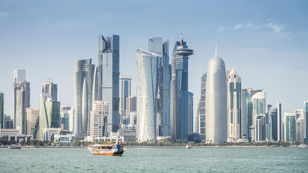 بلومبيرغ: قطر فقدت نصف مستثمريها التقليديين وتبحث عن مستثمرين جدد