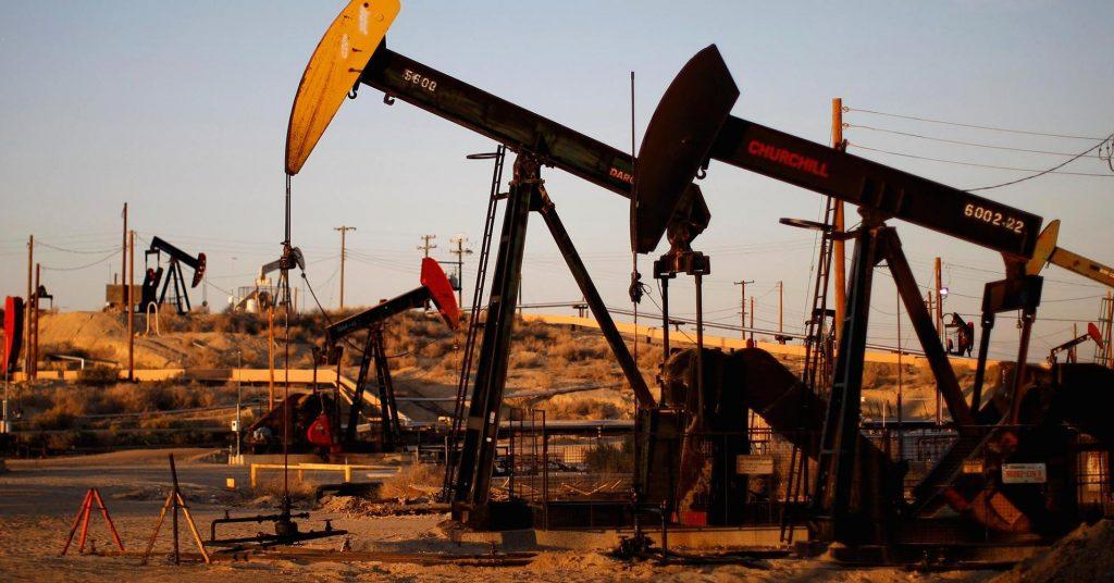 النفط يواصل ارتفاعه مع زيادة الطلب العالمي
