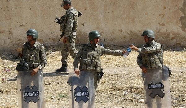 انفجار مركبة عسكرية تركية .. ومقتل جنديين