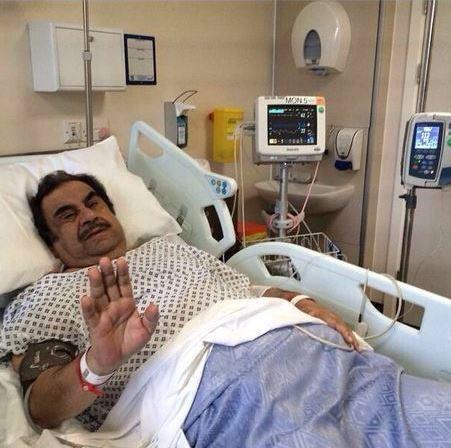 الفنان القدير عبدالحسين عبدالرضا يرقد بالعناية المركزة في لندن بعد تعرضه لجلطة