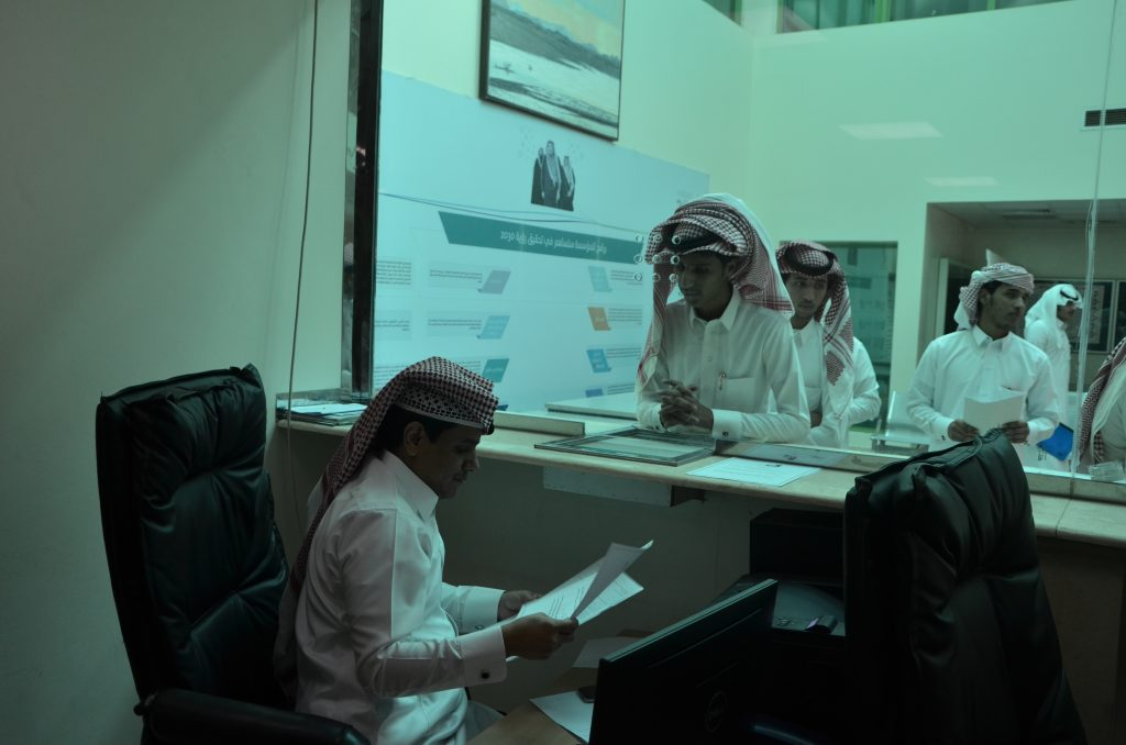 عميد الكلية التقنية بنجران يتابع سير عملية القبول والتسجيل بالكلية