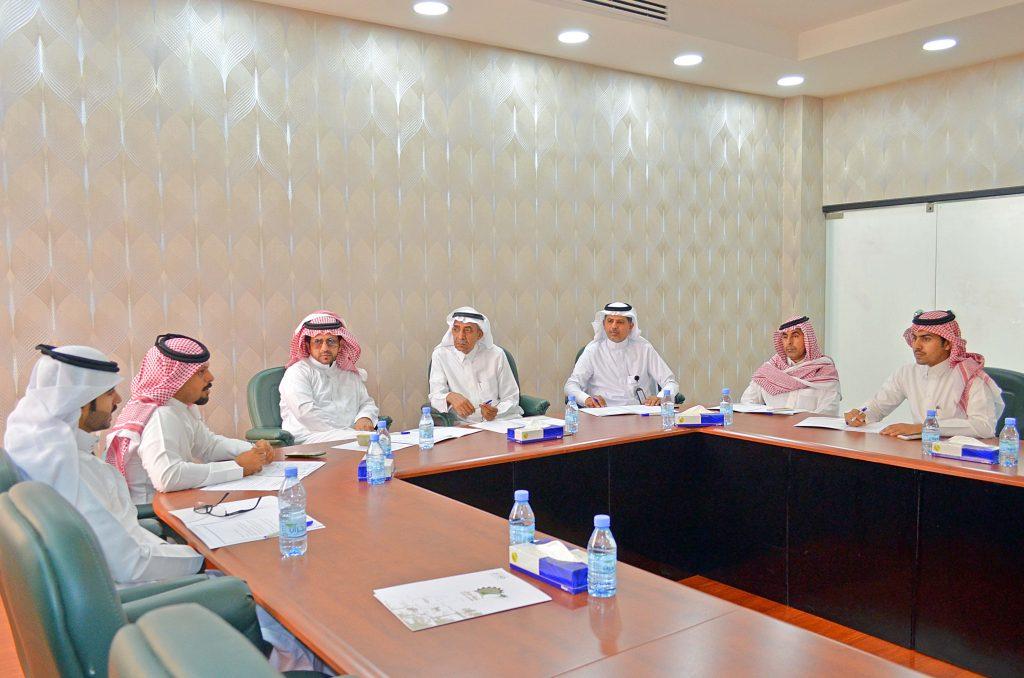 اللجنة السياحية بغرفة نجران تعقد اجتماعها الدوري اليوم وتناقش عددا من التوصيات التي تخدم القطاع السياحي في المنطقة
