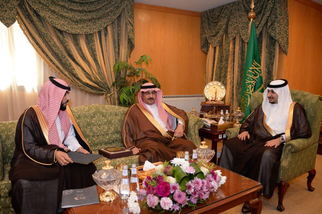 نائب أمير الجوف يطلع على آلية مسابقة أفلام بلدية أبو عجرم