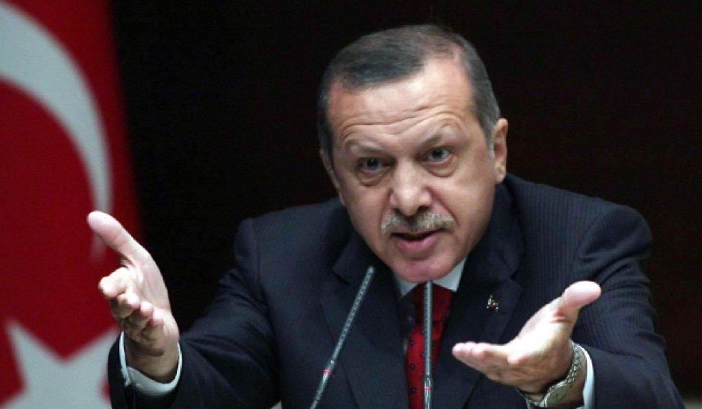 """أردوغان يصف كردستان بـ""""الإرهابية"""".. ووزير خارجيته يهددها بالتدخل العسكري"""