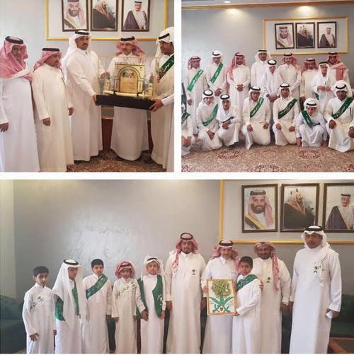 قادة وطلاب مدارس بني حسن يزورون المحافظ بمناسبة اليوم الوطني