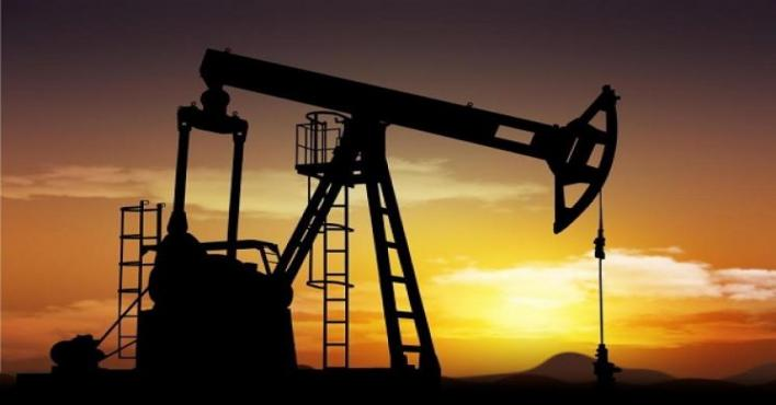 """النفط مستقر قرب أعلى مستوياته.. وقلق بشأن """"أوبك"""""""