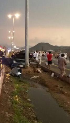 وفاتين و6إصابات في حادث مروري بطريق الحجرة