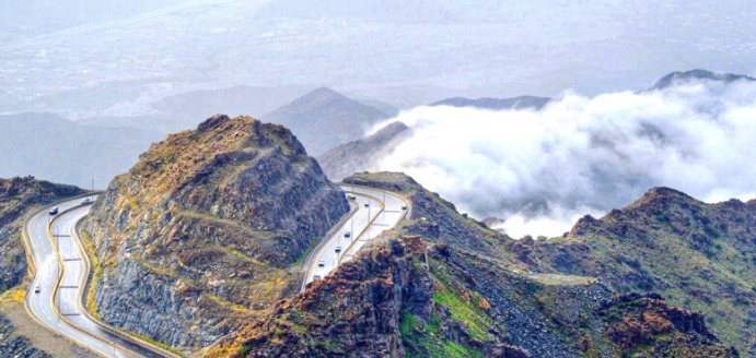 الأرصاد: فرص لهطول امطار رعدية في «4» مناطق سعودية