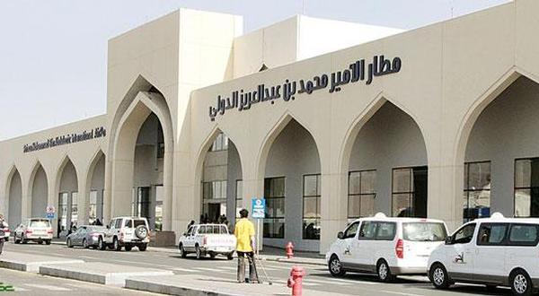 العتيبي يقف على جاهزية صالات الجوازات بمطار الأمير محمد بن عبدالعزيز الدولي
