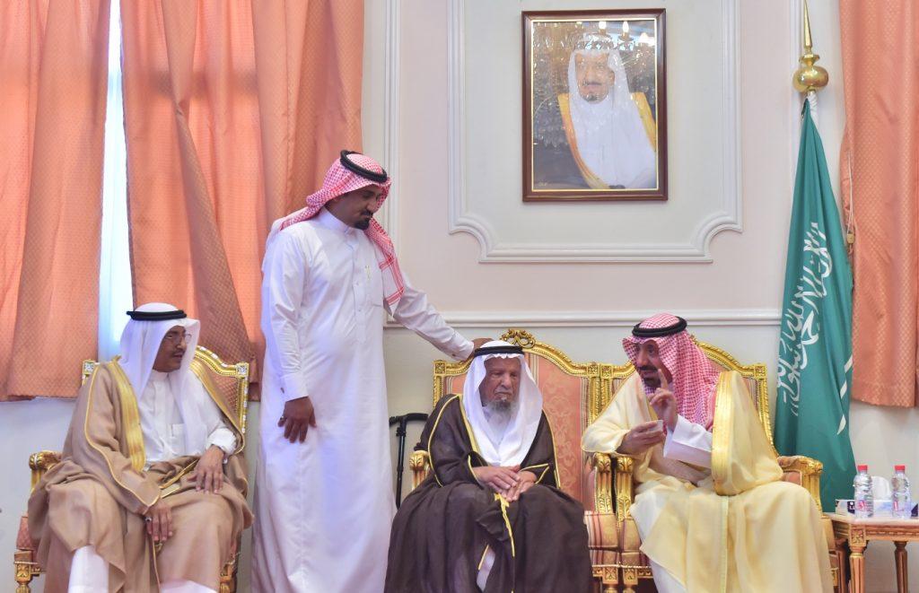 أمير نجران يعايد شيخ شمل قبائل آل فاطمة يام