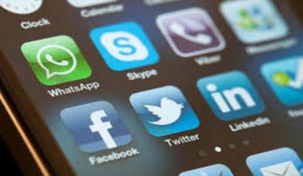 توقعات بفتح تطبيقات الاتصال المرئي والمسموع المحجوبة في المملكة
