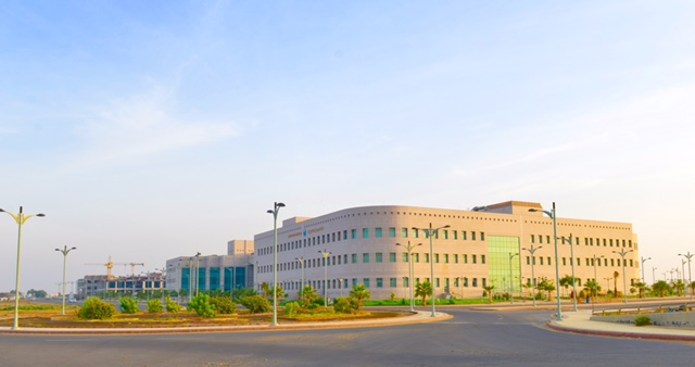 كليتا الطب والعلوم الطبية تنتقل لمبناها الجديد في المدينة الجامعية بجامعة جازان