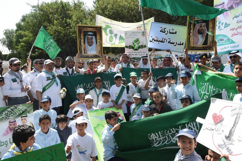 """1200كشاف في مسيرة """" راية العز"""" بتعليم عسير"""