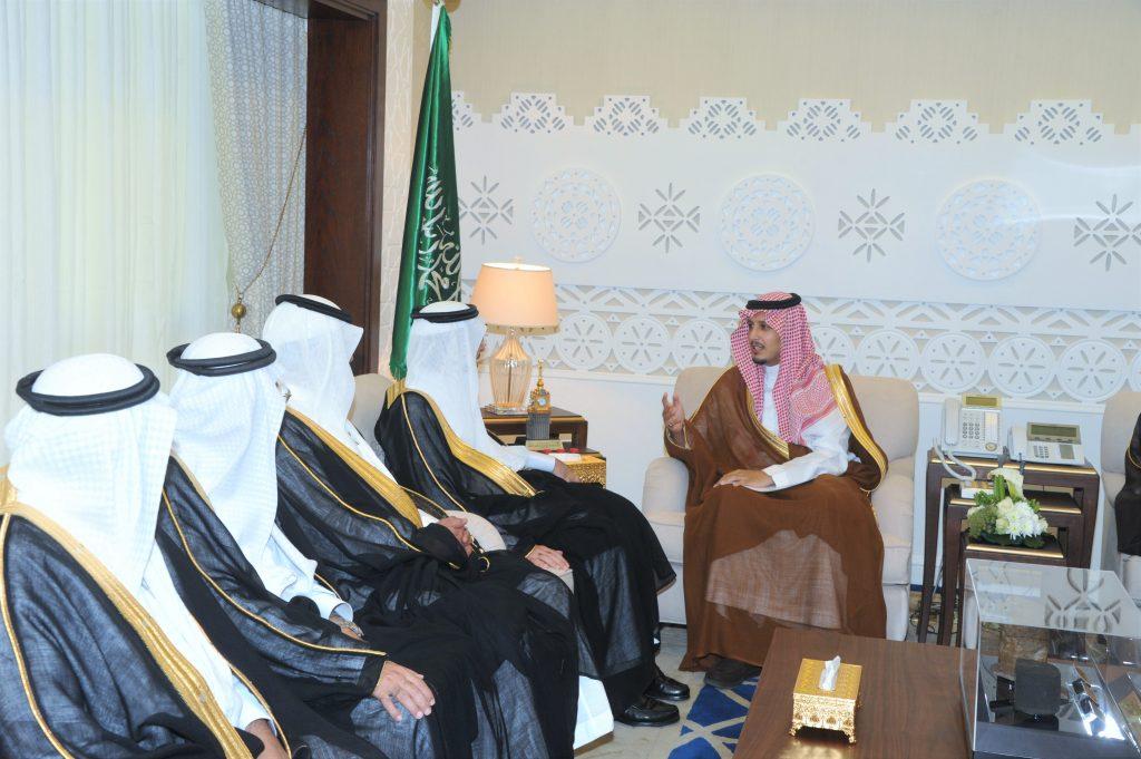 نائب أمير المنطقة الشرقية يؤكد على إشراك الطلبة في الأنشطة الطلابية وخدمة المجتمع