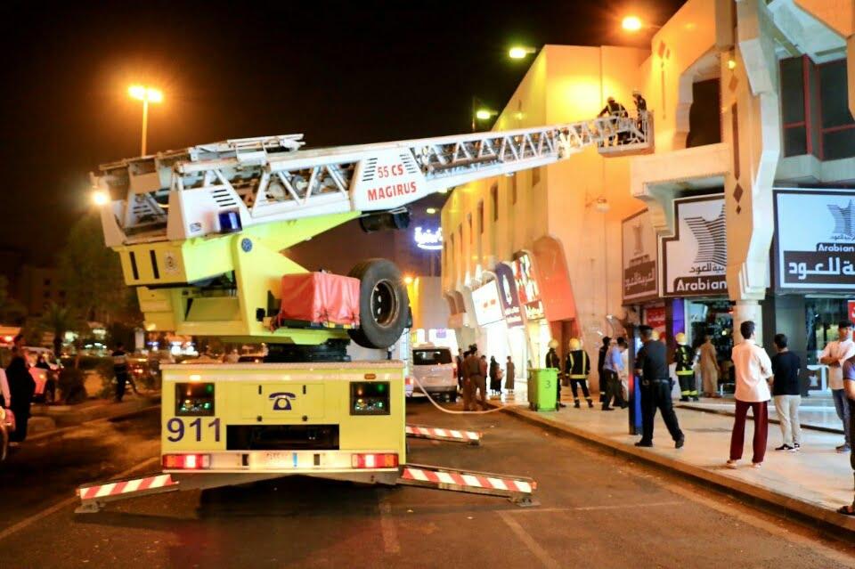 حريق بمحل تجاري بعزيزية مكة دون إصابات