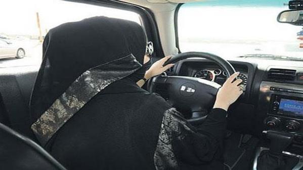 سعوديات يمارسن قيادة السيارات منذ 20 عاماً بأرامكو
