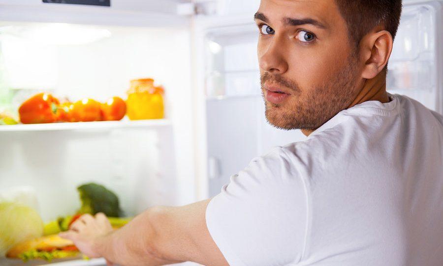 نصائح وإرشادات لمنع الشعور بالجوع ليلا وتخليص الجسم من الدهون