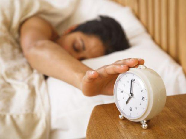 """لنوم أفضل.. توقف عن استخدام """"الغفوة الصباحية""""!"""