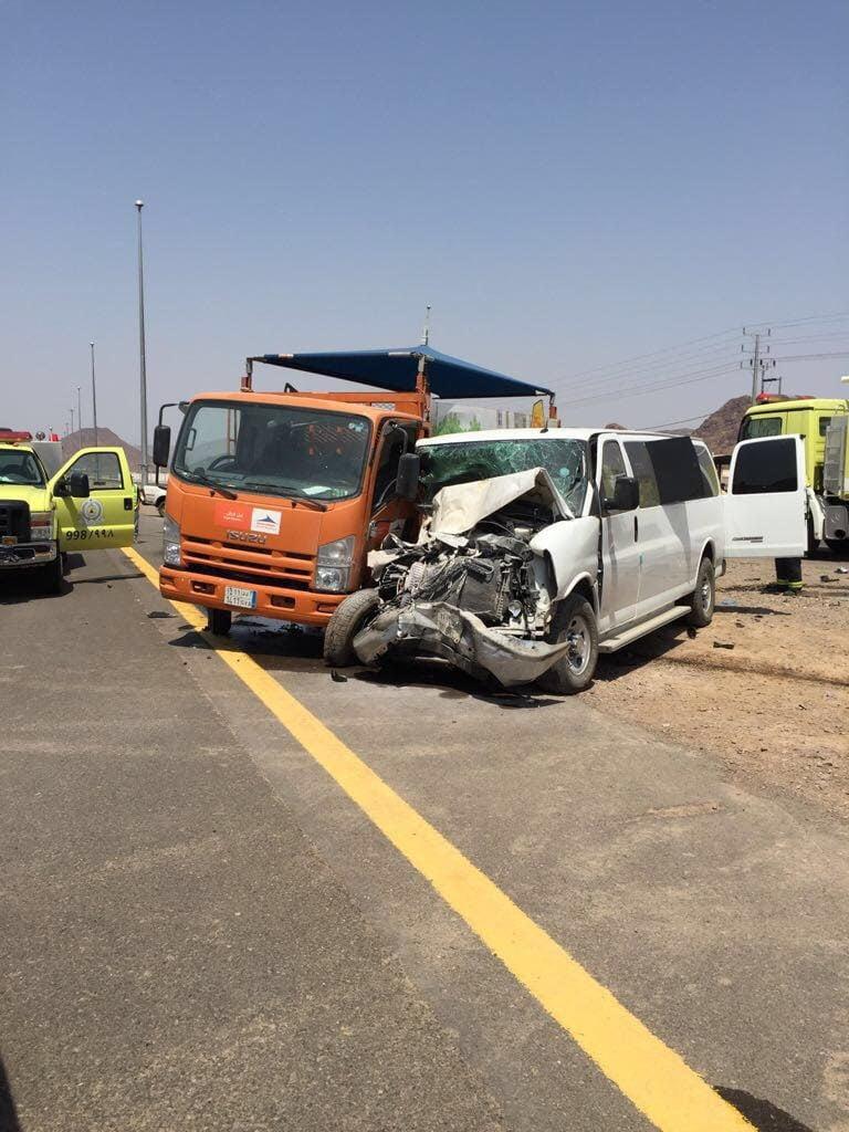 حادث سير ل(8) معلمات على طريق المدينة تبوك