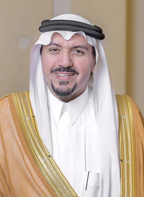 أمير القصيم يوافق على ترقية 46 موظفاً من منسوبي الإمارة