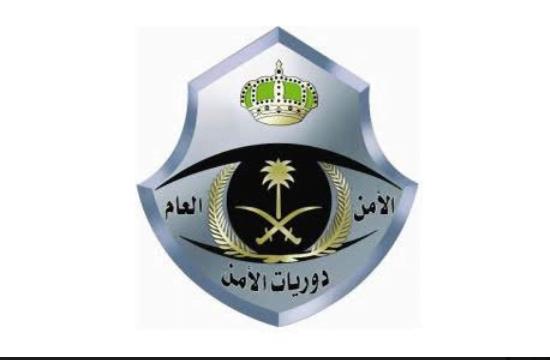 دوريات أمن القصيم توقع 5 متهمين متورطين بسرقة محلات تجارية ببريدة
