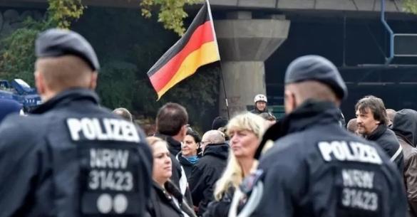 وزير داخلية ولاية ألمانية يقع ضحية جريمة سرقة